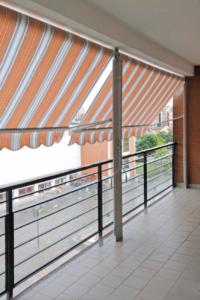 Tenda da Sole a Bracci Estensibili - Vendita e Montaggio a Torino e Provincia